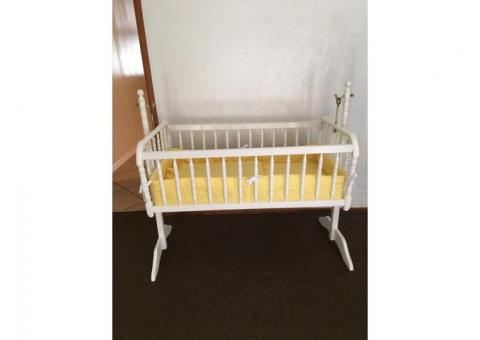 Excellent White baby Cradle
